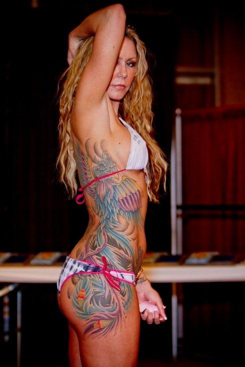 Tatuagens de Fênix em várias partes do corpo, costas, braços, pernas e muito mais. (5)